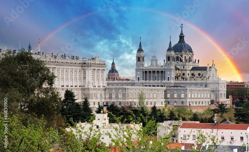 In de dag Madrid Madrid, Almudena Cathedral wtih rainbow, Spain