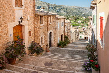 Obraz na Szkle Uliczki Alley with stairs at Pollenca, Mallorca, Spain