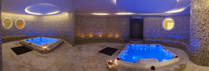 Obraz na płótnie Canvas Wet area with jacuzzis in health spa