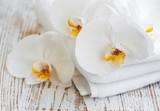 Fototapeta Kuchnia - Orchids and spa towel