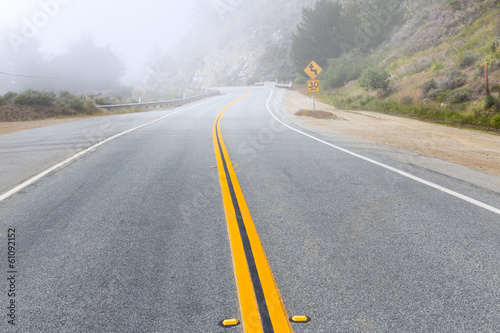 Photo  Foggy road in Calfornia Pacific Highway 1 US 101