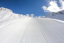 Perfectly Groomed Empty Ski Pi...
