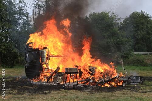 In de dag Vuur / Vlam Wohnwagenbrand