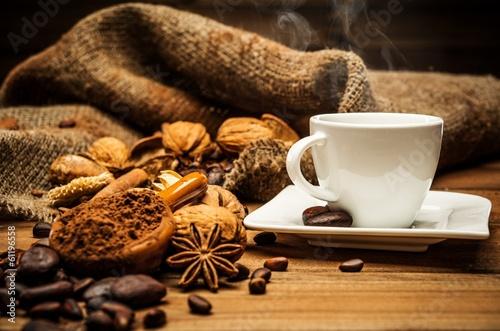 Spoed Foto op Canvas koffiebar Coffee theme still-life on wooden table