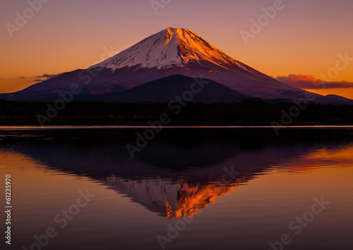 Fotografie, Obraz  Inverted image of Mt.Fuji - the red sky