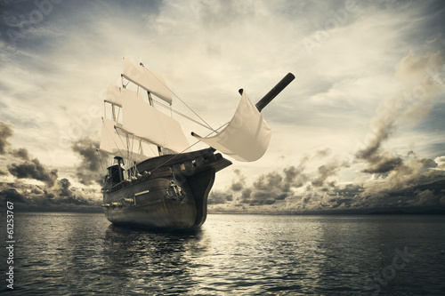 Staande foto Schip The ancient ship in the sea