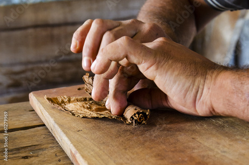 Photo Traditional manufacture of cigars in Cuban tobacco factory, Cuba