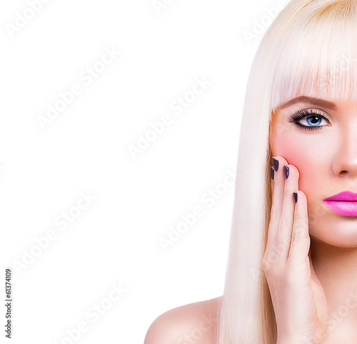 Photo Beautiful blonde girl with pink lips