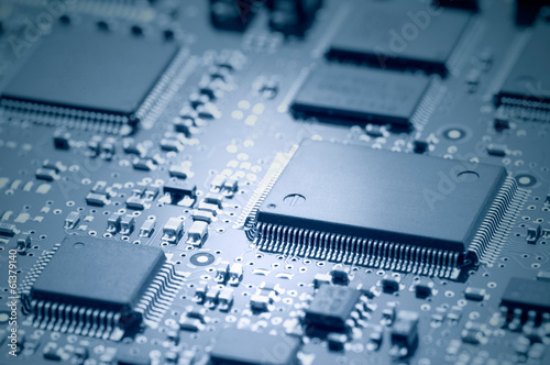 Fotografía  Electronic chips mounted on motherboard
