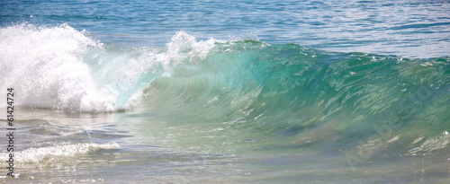 Spoed Foto op Canvas Water Waves breaking on the shores of Big Beach in Maui