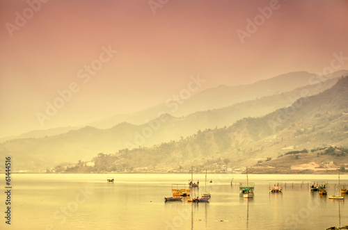 Staande foto Nepal Sunrise on the lake