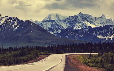 Fototapeta góry - Alaska