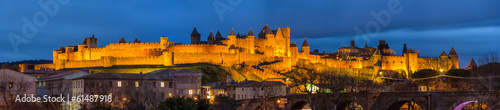Fotomural Evening panorama of Carcassonne fortress - France, Languedoc-Rou