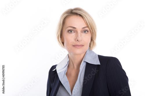 Fotografía  Gesicht einer älteren Frau isoliert - ernst und nachdenklich