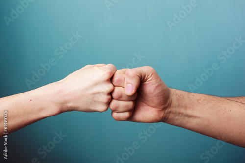 Canvastavla  Fist bump