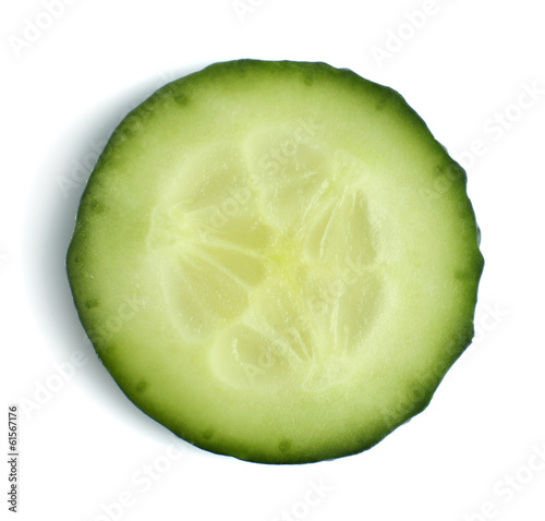 Poster Légumes frais Slice of fresh cucumber, isolated on white