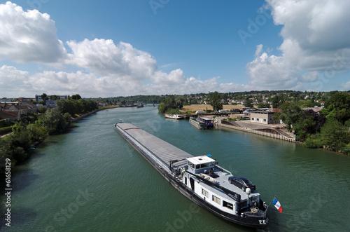 Fotografie, Obraz  Péniche sur la Seine en Ile de France