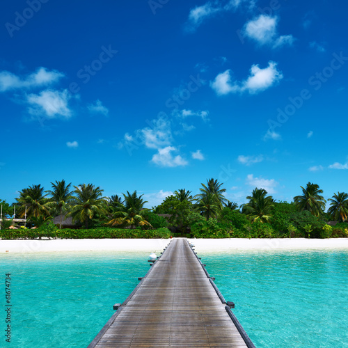 Poster Tropical plage Beautiful beach with jetty