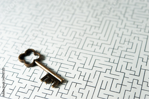 Photo  鍵と迷路