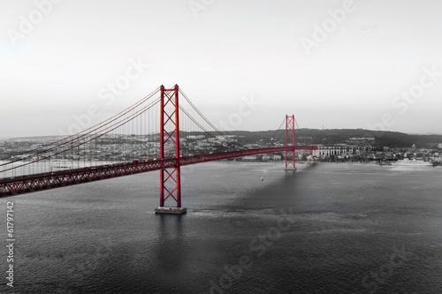 Keuken foto achterwand Bruggen Red Bridge on a monochromatic background