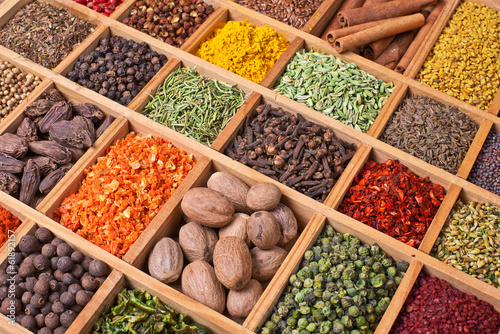 Foto op Canvas Kruiden wooden box with spices and herbs