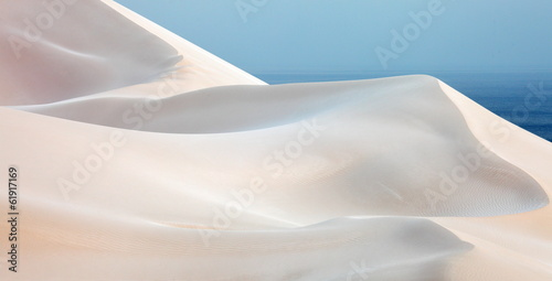 Fototapeta Wydmy sand-desert-dunes-of-socotra-island