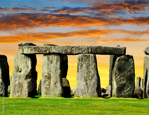 Cuadros en Lienzo Historical monument Stonehenge in the sunset, England, UK