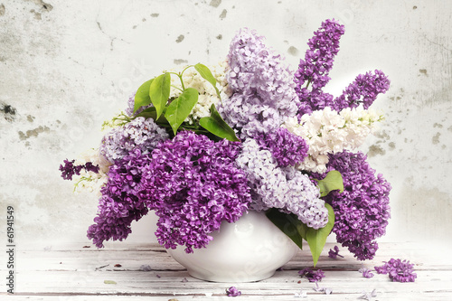 Spoed Foto op Canvas Lilac Beautiful Bunch of Lilac in the Vase