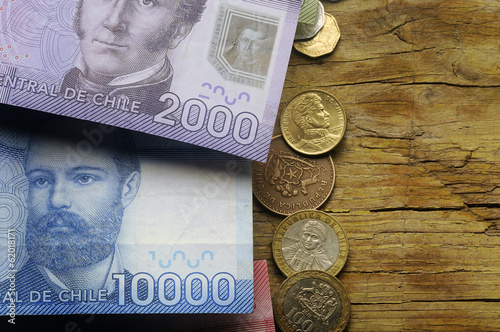 Tela  Arturo Prat y Manuel Rodríguez Erdoíza Peso chileno