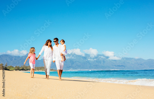 Photo  Happy Family on the Beach