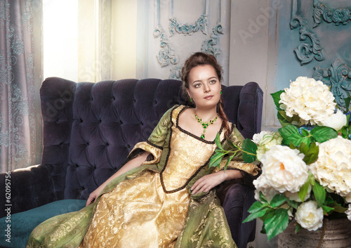 Fotomural Beautiful woman in medieval dress