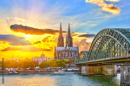 Fotografía  Cologne at sunset