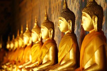 Zlatni Buda u hramu