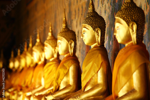 Spoed Foto op Canvas Boeddha Golden buddha in temple