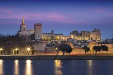 Ville D'Avignon Depuis Des Ber...