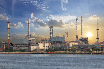 petrochemiczny zakład przemysłowy