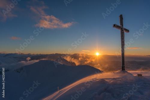 Papiers peints Bleu nuit Sunset at summit