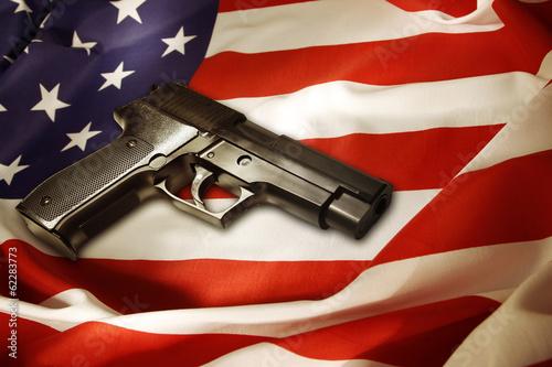 Carta da parati Gun on flag