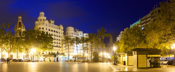 Fototapeta na wymiar  Placa del Ajuntament in evening. Valencia
