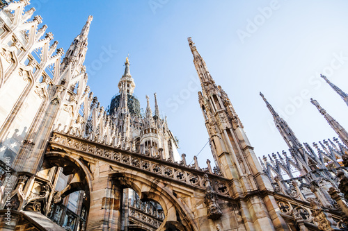 wieze-katedry-w-mediolanie