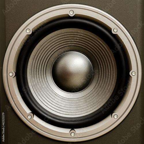 zamknij-sie-glosnik-stereo-audio-z-ladnym-wykonczeniem-to