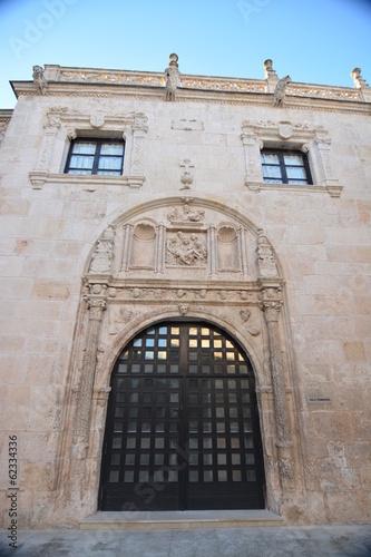 Fényképezés  Edificio antiguo de piedra interior del campus en Burgos