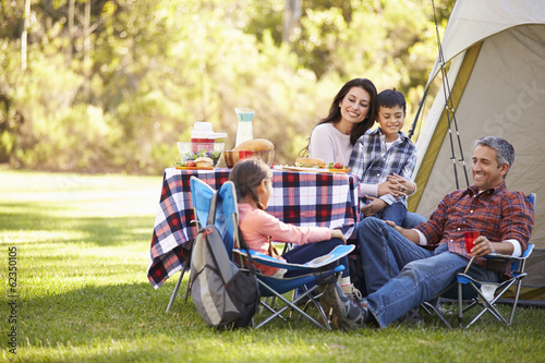 Tuinposter Kamperen Family Enjoying Camping Holiday In Countryside