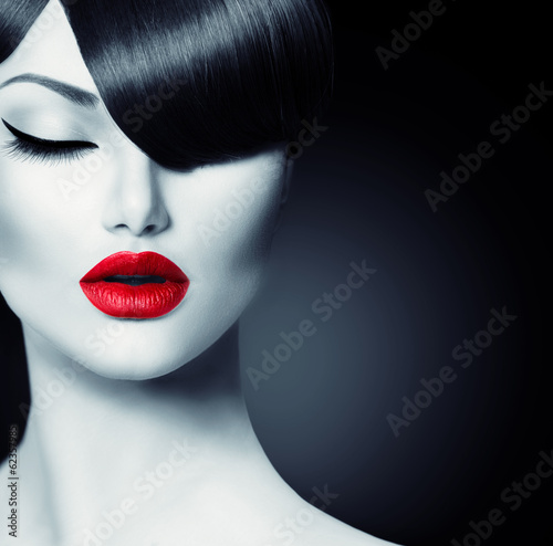 Poster - Fashion Glamour Beauty Girl With Trendy Fringe Hairstyle