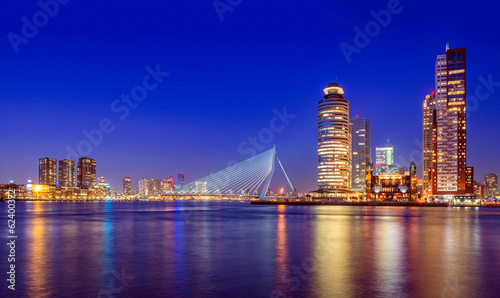 Foto op Aluminium Rotterdam Erasmus Bridge at Twilight, Rotterdam, The Netherlands