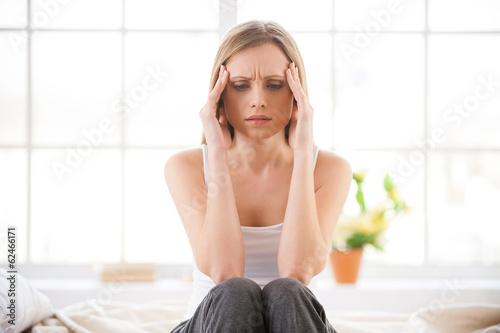 На нервной почве болит глаз