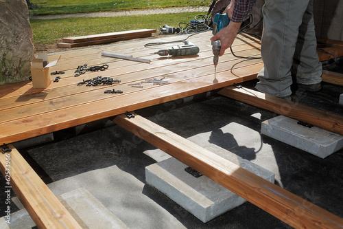 Foto Bau einer Holzterrasse