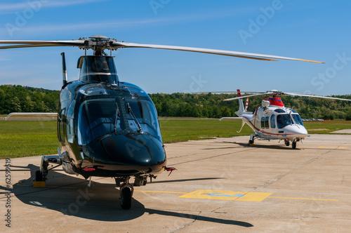 Türaufkleber Hubschrauber Helicopters on an airfield