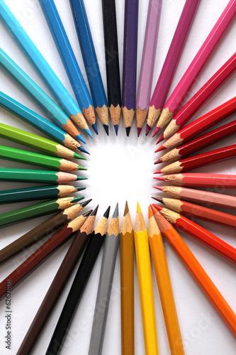 kolorowe-kredki