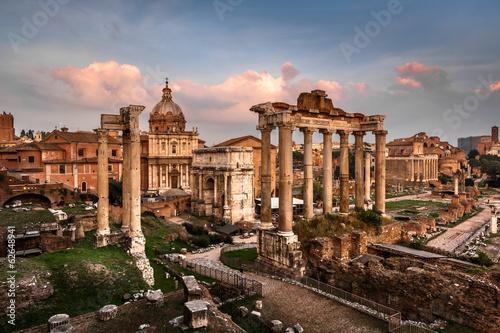Obraz na płótnie Roman Forum (Foro Romano) and Ruins of Septimius Severus Arch an